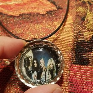 New guns n roses necklace